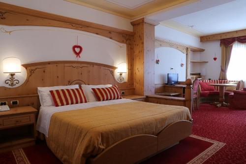 A Hotel Com Hotel Belvedere Hotel Fai Della Paganella