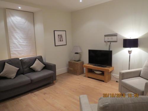 2 Bedroom Knightsbridge Luxury
