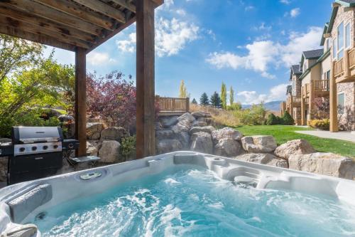 Luxury Townhouse in Wolf Creek - Eden