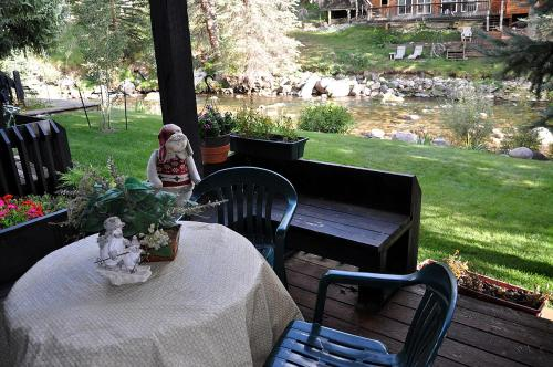 2 Bedroom Condo In West Vail On The Gore Creek - Vail, CO 81657