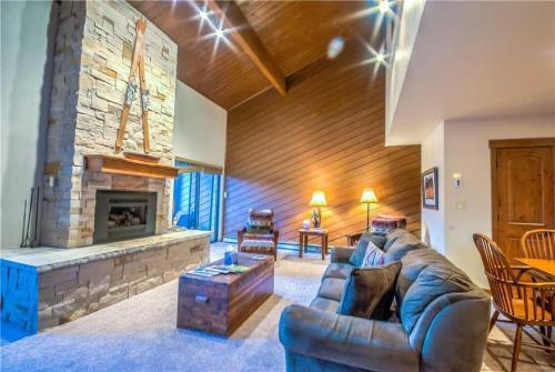 La Casa 10 - Steamboat Springs, CO 80487