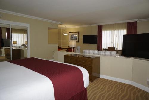 Ocean Sky Hotel & Resort - image 14