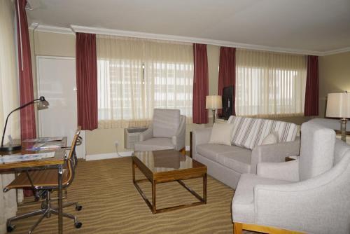 Ocean Sky Hotel & Resort - image 12