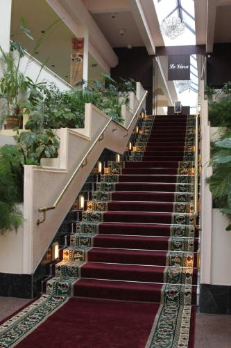 Photo - Le Grande Plaza Hotel