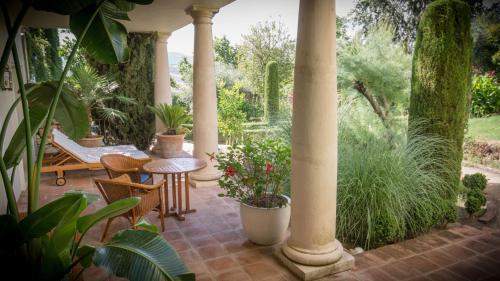 Suite with Terrace Hotel La Fuente de la Higuera 2