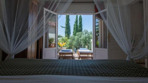 Suite with Terrace Hotel La Fuente de la Higuera 7