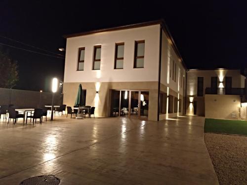 . Hotel Entrerailes