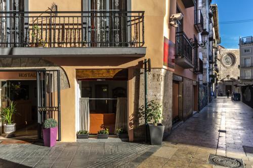 Calle En Bou 2, 46001 Valencia, Spain.