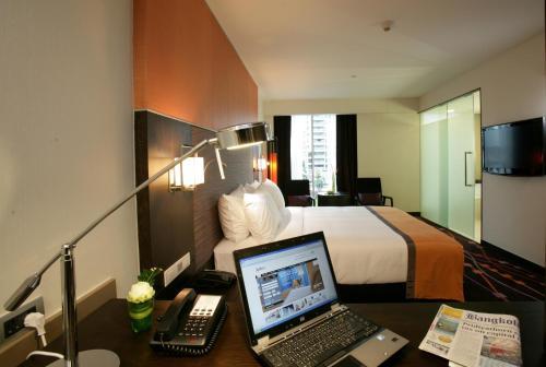 Radisson Suites Bangkok Sukhumvit photo 8