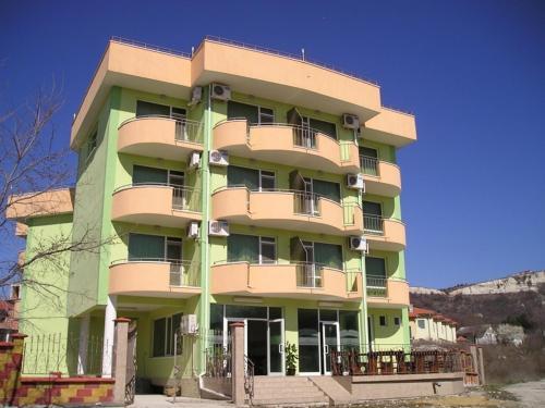 . Anelia Family Hotel