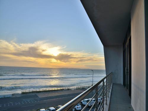 Blaauwberg Beach Hotel