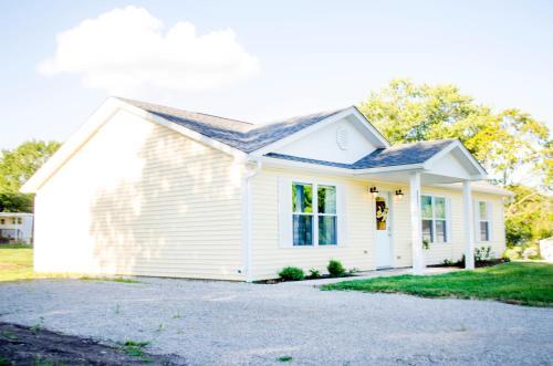 Dawson Retreats - The Townhome - Accommodation - Hamilton
