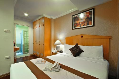 Admiral Suites Bangkok by Compass Hospitality photo 30
