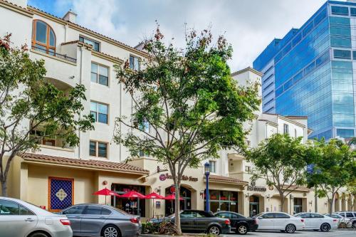 Glendon Westwood 4174-TH-R - Los Angeles, CA 90024