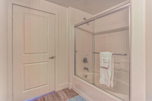 Glendon Westwood 5103 One Bedroom Main image 1