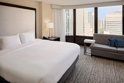 DoubleTree by Hilton Chicago Magnificent Mile - Chicago, IL IL 60611