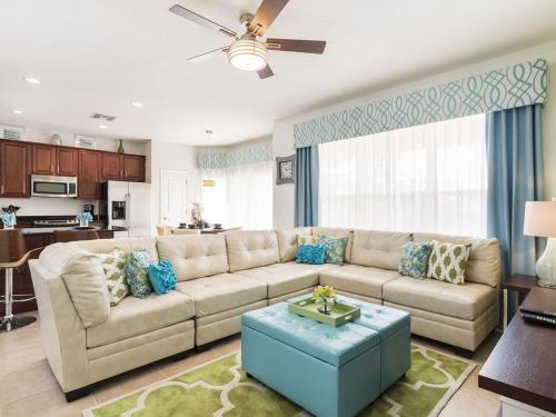 Windsor Hills 6 Bedrooms Pool Villa, 2.5 miles to Disney - 2540HS Main image 1