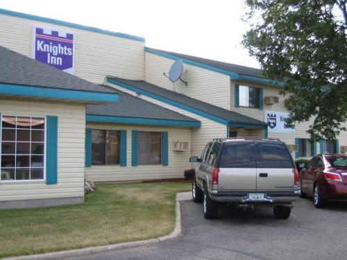 Knights Inn Litchfield - Hotel