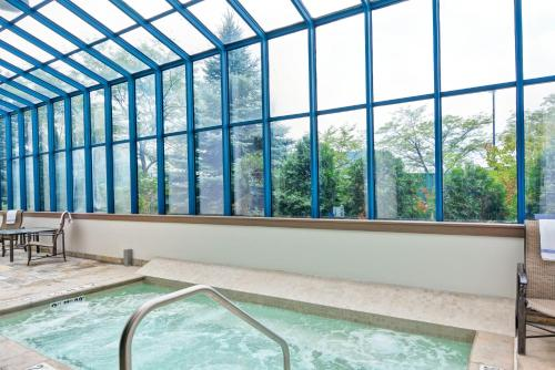 Embassy Suites by Hilton Minneapolis-Airport - Bloomington, MN 55425