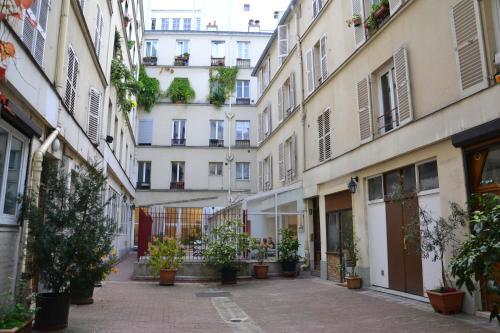 Charming Small Duplex - Heart Of Paris
