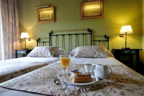 . Hotel-Hospedería los Templarios