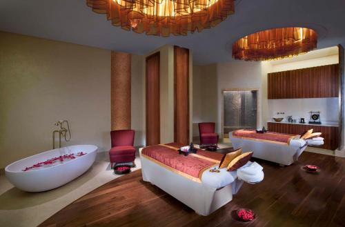 Anantara Eastern Mangroves Hotel & Spa photo 9
