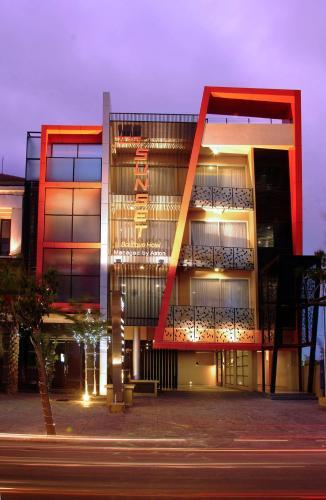 100 Sunset Boutique Hotel