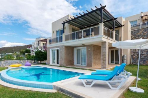 Bogazici Full Sea view Villa with Private Beach/Pool fiyat