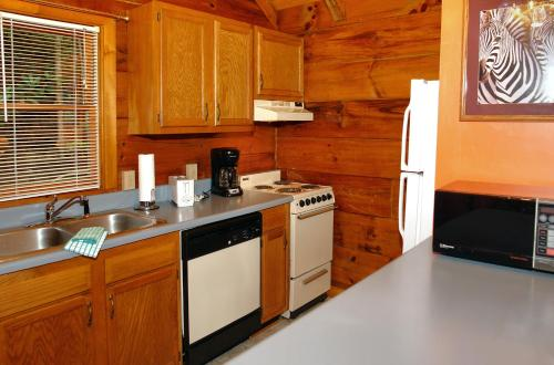 Wild Thing  1525   One Bedroom Cabin