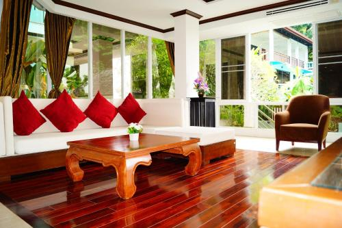 Karon 2 bedrooms apartments by the sea, Pulau Phuket