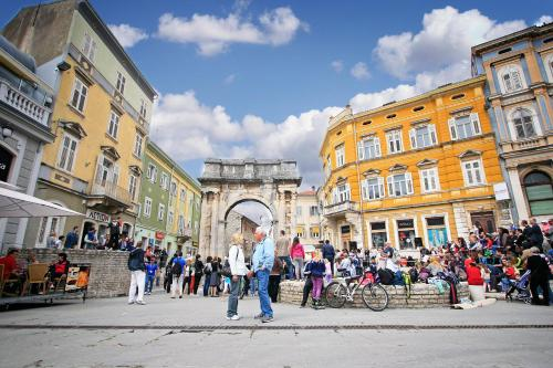 Downtown Apartments Pula, Pension in Pula