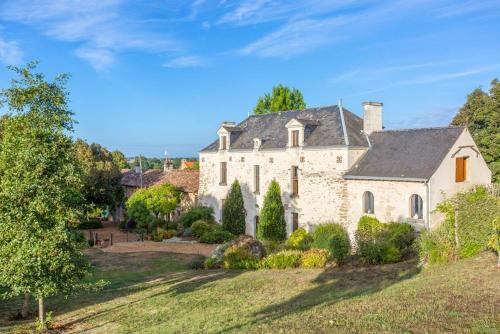 Concourson-sur-Layon Villa Sleeps 18 Pool - Location, gîte - Doué-en-Anjou