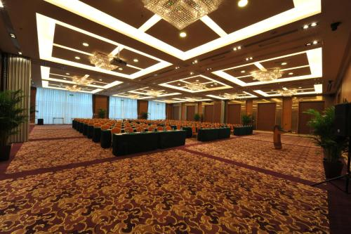 Geosciences International Conference Centre Hotel photo 4