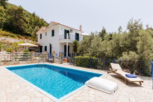 Stafylos Villa Sleeps 7 Pool Wifi