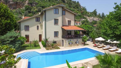Turunc Turunc Villa Sleeps 24 Pool Air Con WiFi price