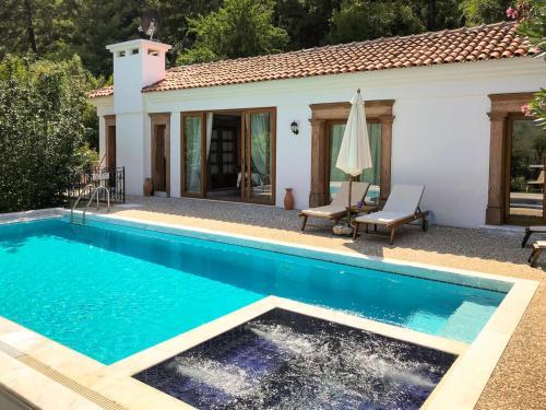 Beldibi Samik Villa Sleeps 6 Pool Air Con WiFi rezervasyon
