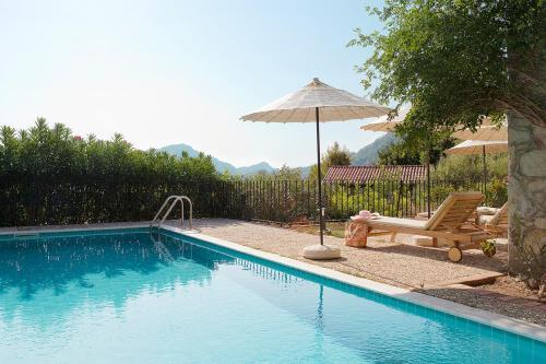 Turunc Kumlubuk Villa Sleeps 5 Pool Air Con WiFi tatil