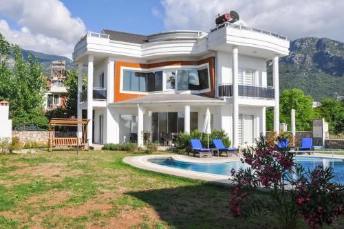 Oludeniz Oludeniz Villa Sleeps 8 Pool Air Con WiFi indirim