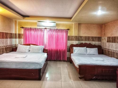 Thann Tay Guesthouse room photos