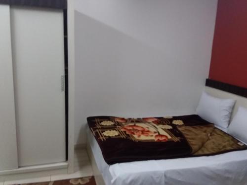 Isis Hostel 2 - image 3