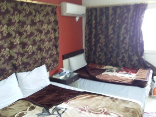 Isis Hostel 2 - image 11