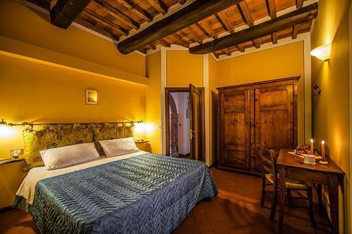 Polvano Villa Sleeps 8 with Pool and Air Con - Accommodation - Santa Cristina (Val Gardena)