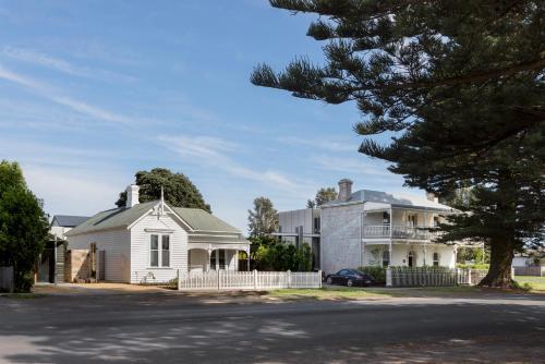 98 Gipps Street, Port Fairy, 3284, Victoria, Australia.