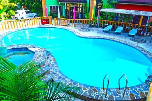 picture 1 of Stefanie Grace Paradise Inn