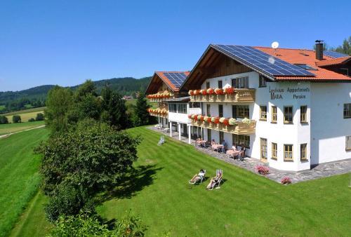 Landhaus Maria Bed&Breakfast - Hotel - Regen