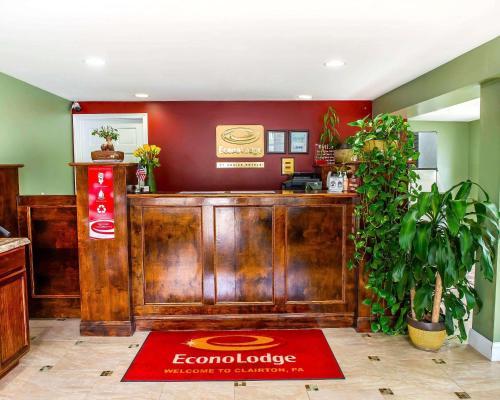 Econo Lodge Clairton - Clairton, PA 15025