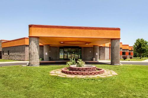 . Quality Inn - Arkansas City