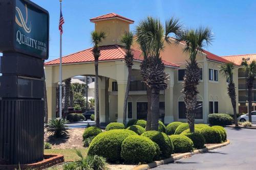 . Quality Inn & Suites Miramar Beach