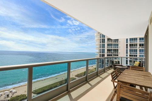 Suite Life Miami Apartments Monte Carlo