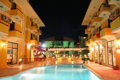 Cesme Albano Hotel rezervasyon
